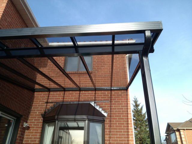 Clear glass roof