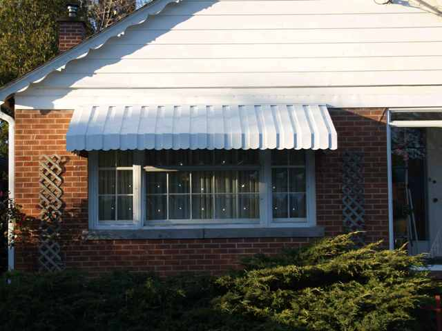 Front window awning