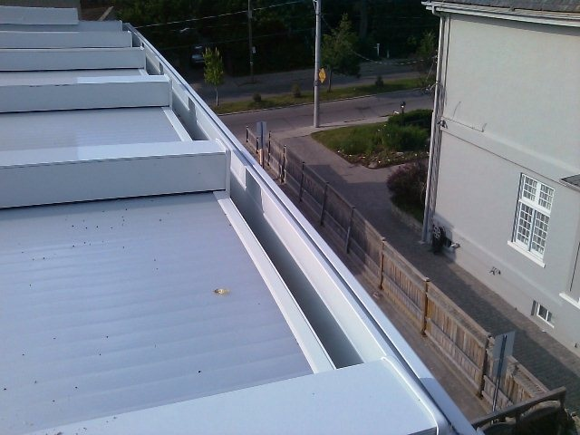 polycarbonate roof, top view, note the gutter at front.