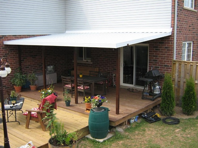 deck cover installed by home owner.