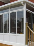Three seasons sunroom, midrange