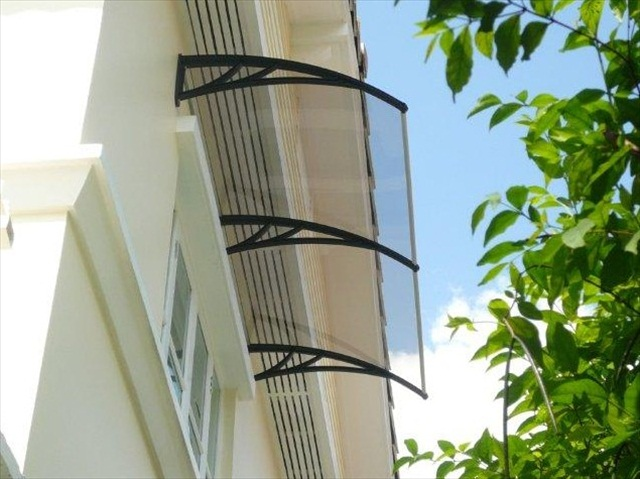 clear_ awnings strung together
