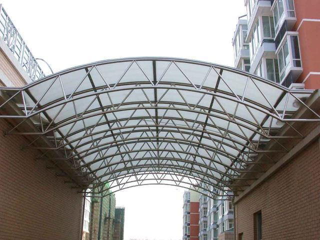 polycarbonate in construction