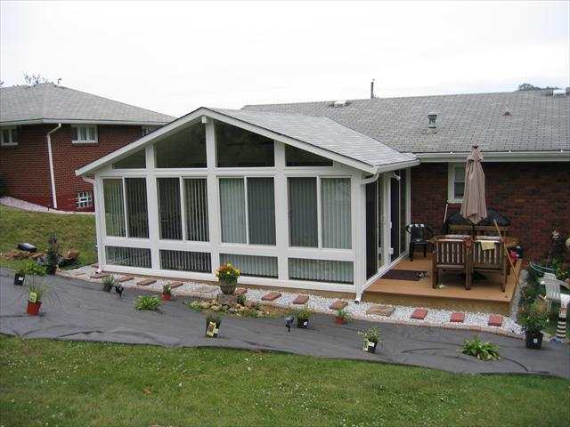 Bungalow roof tie-in with an existing roof